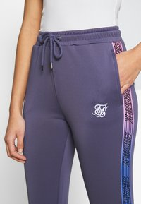 SIKSILK - FADE RUNNER TRACK PANTS - Joggebukse - night shadow - 4