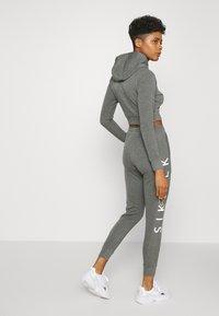 SIKSILK - SIGNATURE TRACK PANTS - Tracksuit bottoms - dark grey - 2