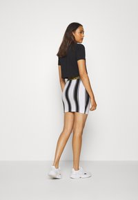 SIKSILK - ATHENA STRIPE SKIRT - Minisukně - black/white - 2