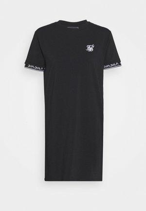 CORE TECH DRESS - Žerzejové šaty - black