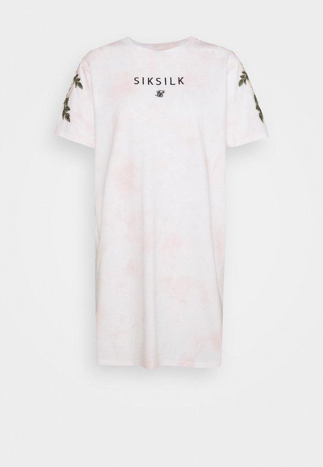 SIKSILK TYE DYE  - Vestido ligero - pink