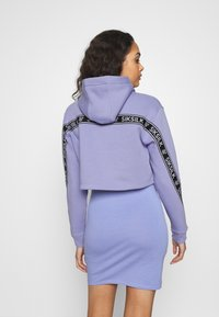 SIKSILK - TWISTED TAPE CROPPED HOODIE - Mikina skapucí - violet - 2