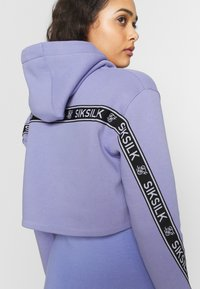 SIKSILK - TWISTED TAPE CROPPED HOODIE - Mikina skapucí - violet - 4