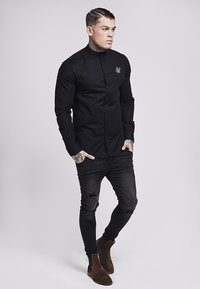 SIKSILK - OXFORD STRETCH FIT - Overhemd - jet black - 1