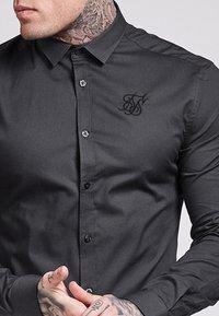 SIKSILK - STRETCH - Camisa - dark grey - 4