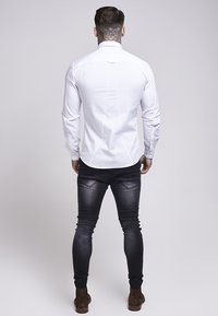 SIKSILK - STRETCH - Overhemd - white - 2