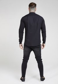 SIKSILK - GRANDAD COLLAR JLONG SLEEVE FITTED - Shirt - black