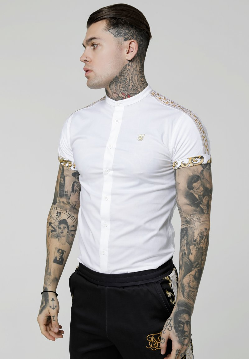 SIKSILK - CARTEL ROLL SLEEVE GRANDAD - Camisa - white