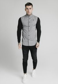 SIKSILK - GRANDAD COLLAR DOGTHOOTH CHECK - Camicia - black - 1