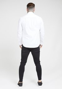 SIKSILK - LONG SLEEVE SMART SHIRT - Koszula biznesowa - white - 2