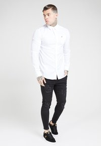 SIKSILK - LONG SLEEVE SMART SHIRT - Koszula biznesowa - white - 3