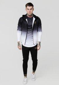 SIKSILK - AGILITY TRACK PANTS - Pantalones deportivos - black - 1