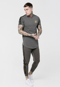 SIKSILK - CUFFED CROPPED TAPED  - Tracksuit bottoms - cement - 1