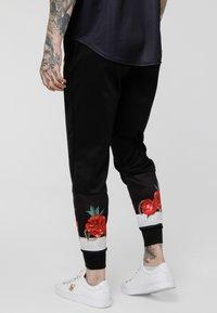 SIKSILK - MAJESTIC CUFFED CROPPED - Pantaloni sportivi - black - 2
