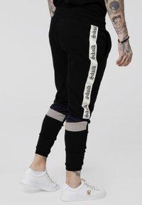 SIKSILK - RETRO PANEL TAPE - Pantalon de survêtement - black/grey/navy - 4