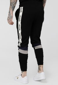 SIKSILK - RETRO PANEL TAPE - Pantalon de survêtement - black/grey/navy - 2