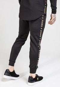 SIKSILK - CUFFED CROPPED TAPED  - Pantalon de survêtement - black - 4