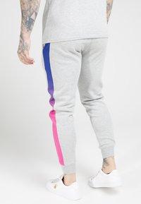 SIKSILK - MUSCLE FIT FADE PANEL - Pantalon de survêtement - grey marl/neon - 2