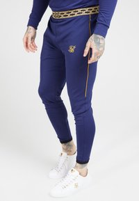 SIKSILK - SCOPE TRACK PANTS CARTEL - Pantalon de survêtement - navy/gold - 4