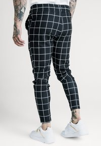 SIKSILK - SMART JOGGER PANT - Pantalon classique - black/white - 2