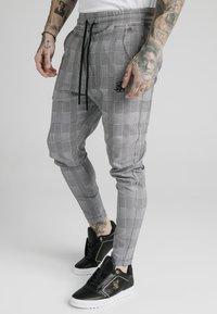 SIKSILK - SMART - Pantalon de survêtement - black/grey/white - 0