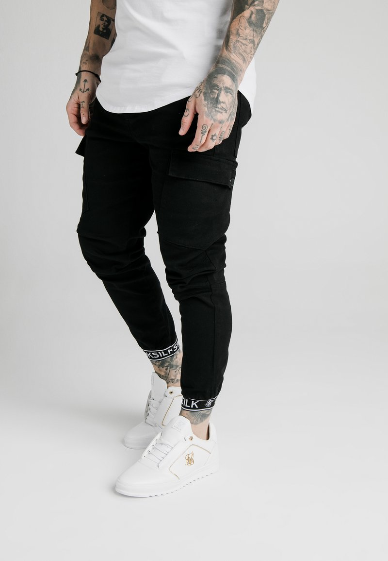SIKSILK - CUFF PANTS - Pantalon cargo - black