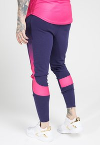 SIKSILK - ATHLETE TECH FADETRACK PANTS - Träningsbyxor - navy/neon fade - 2
