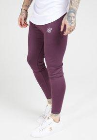 SIKSILK - EVO HYBRID TRACK PANTS - Teplákové kalhoty - rich burgundy - 0