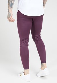 SIKSILK - EVO HYBRID TRACK PANTS - Pantalon de survêtement - rich burgundy - 2