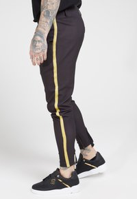 SIKSILK - FITTED SMART TAPE JOGGER PANT - Pantaloni - black - 4