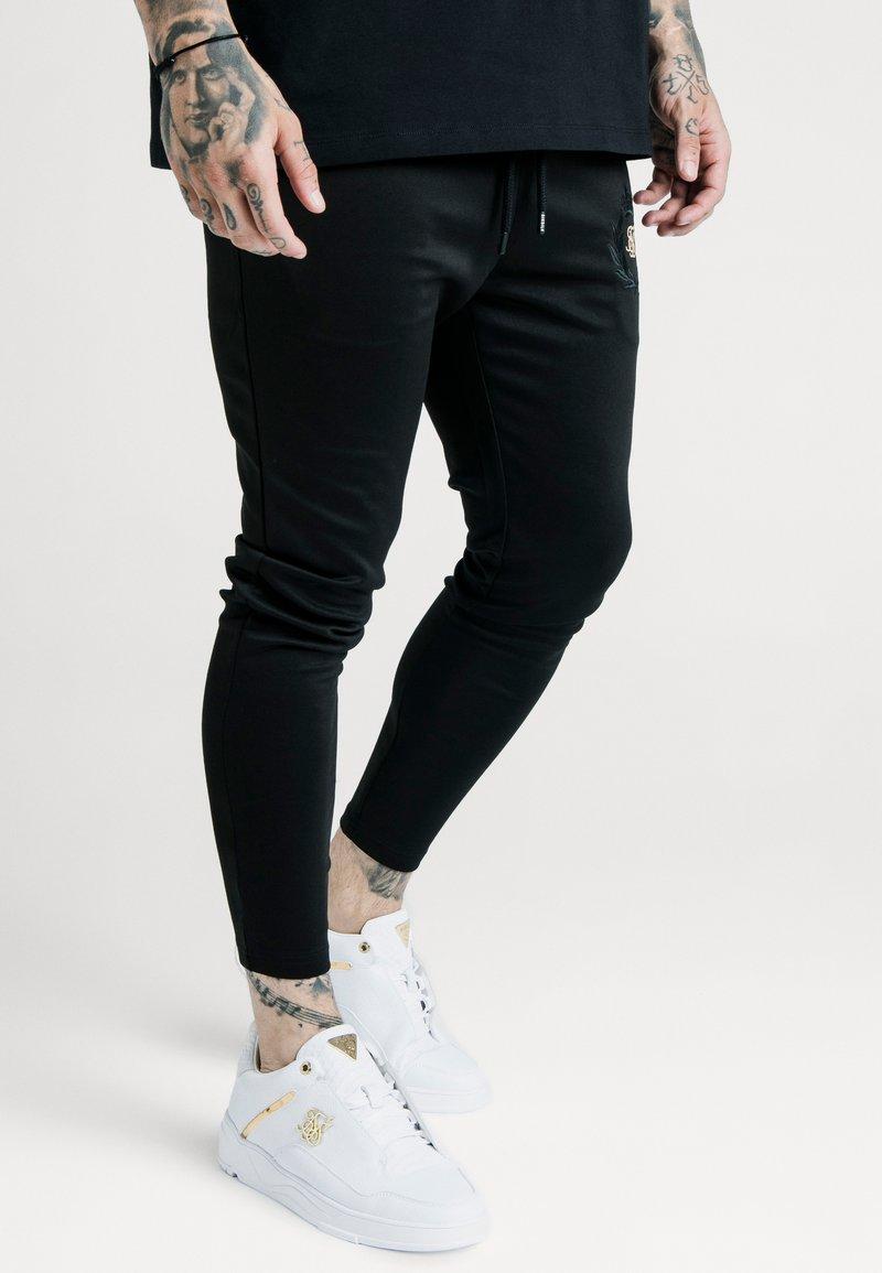SIKSILK - X DANI ALVES ATHLETE TRACK PANTS - Trainingsbroek - black