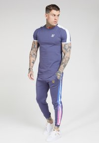 SIKSILK - FITTED FADE CUFFED PANTS - Pantalon de survêtement - tri neon - 1