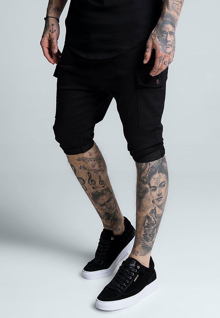 SIKSILK - BERMUDA CARGO - Shorts - black