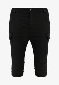 SIKSILK - BERMUDA CARGO - Shorts - black - 4