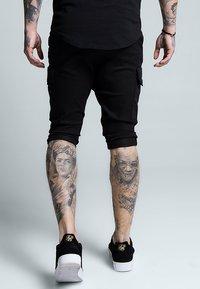 SIKSILK - BERMUDA CARGO - Shorts - black - 2