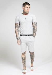 SIKSILK - Pantalon de survêtement - grey - 1