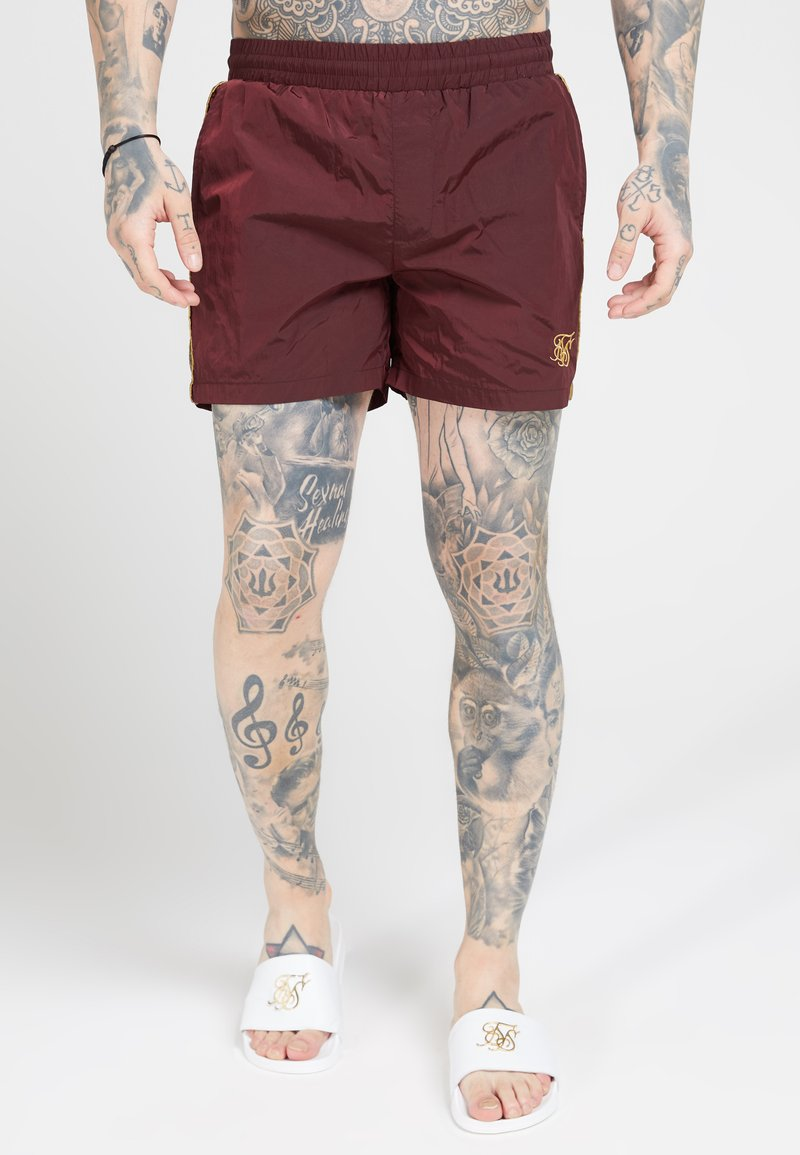 SIKSILK - CRUSHED TAPE - Shorts - burgundy/gold