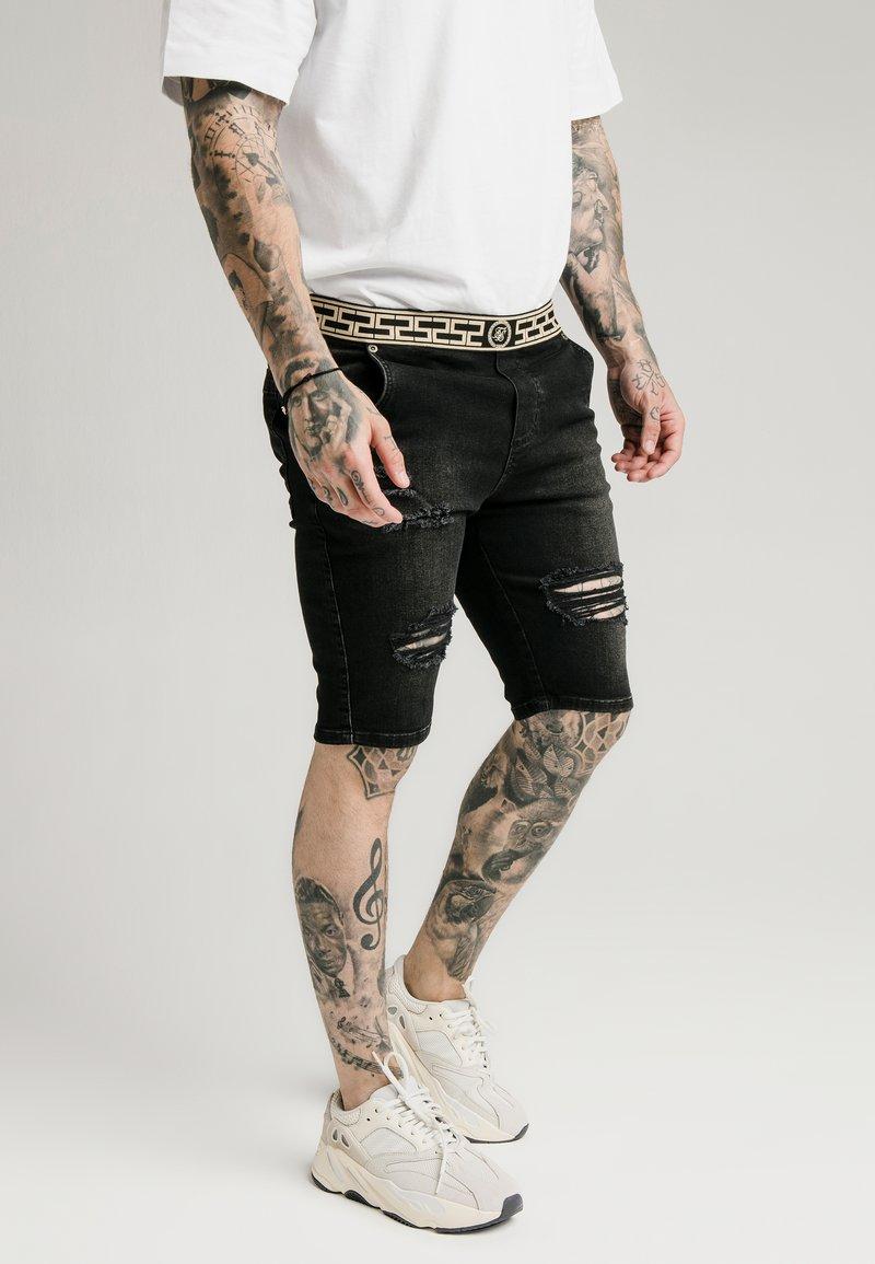SIKSILK - ELASTICATED WAIST DISTRESSED - Jeansshort - black