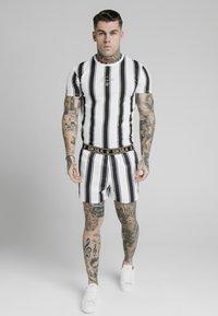 SIKSILK - STANDARD - Shorts - black/white - 1