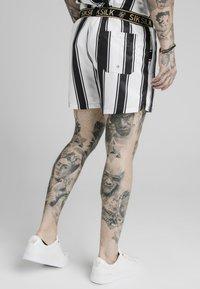 SIKSILK - STANDARD - Shorts - black/white - 2