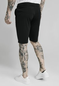 SIKSILK - SCOPE ZONAL - Shorts - black/gold - 2