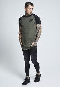 SIKSILK - DISTRESSED - Slim fit jeans - washed black - 1