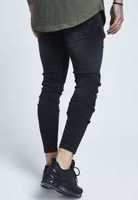 SIKSILK - DISTRESSED - Slim fit jeans - washed black - 3