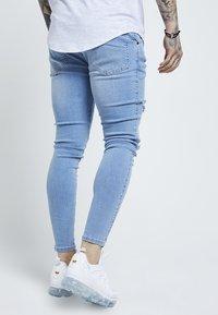 SIKSILK - DISTRESSED SUPER - Jeans Skinny - light wash denim - 2