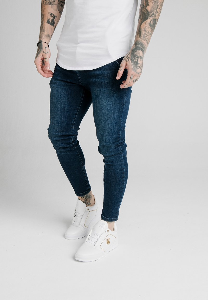 SIKSILK - SKINNY  - Jeans Tapered Fit - indigo