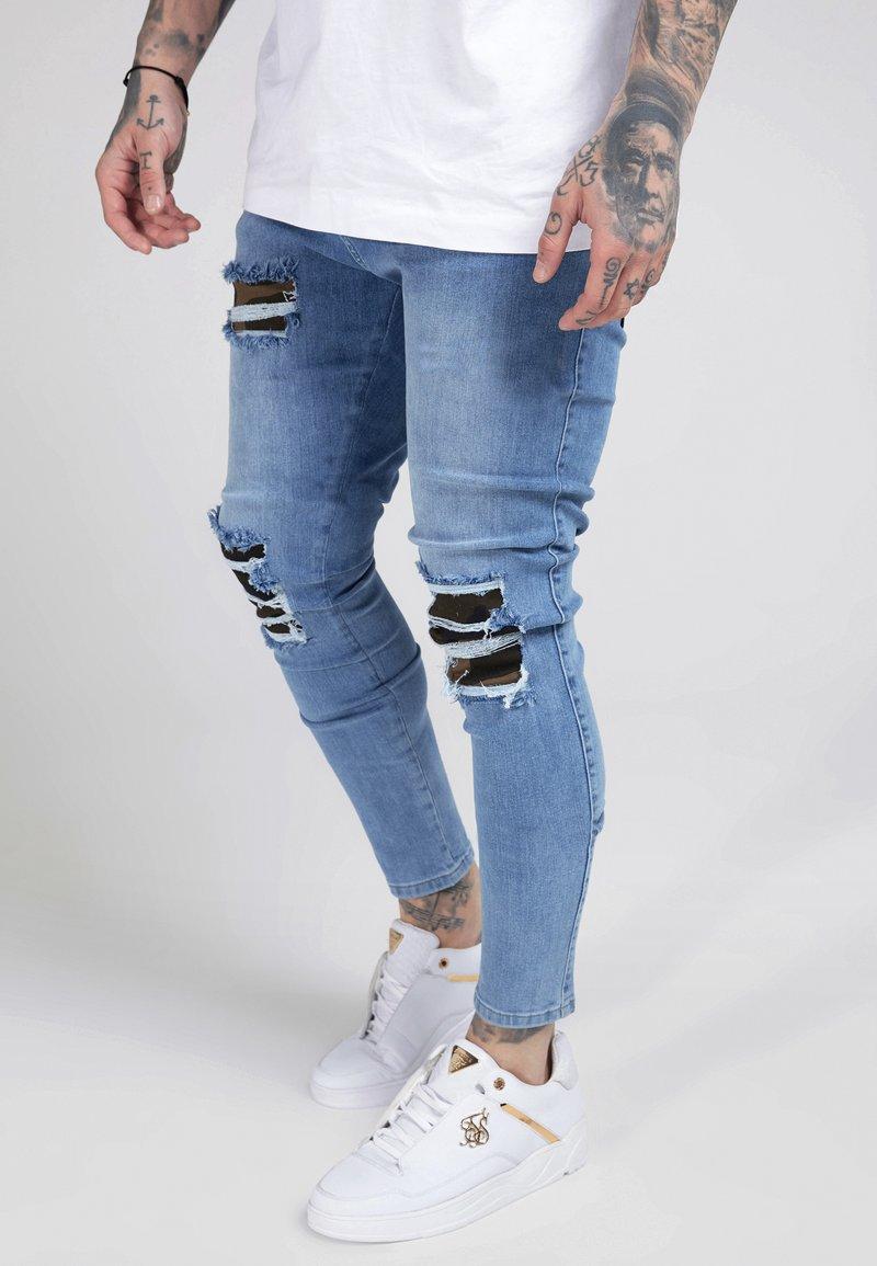SIKSILK - BURST KNEE LOW RISE - Jeans Skinny Fit - midstone