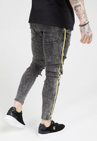 SIKSILK - DISTRESSED TAPED - Jeans Skinny Fit - faded grey - 2