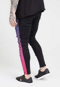SIKSILK - LOW RISE FADE STRIPE BURST KNEE - Jeans Skinny Fit - black - 2
