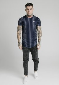 SIKSILK - BUST KNEE RIOT SKINNY JEANS - Jeans Skinny Fit - washed black - 1