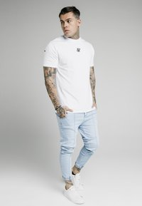 SIKSILK - CUFFED - Jeans Tapered Fit - light blue - 1